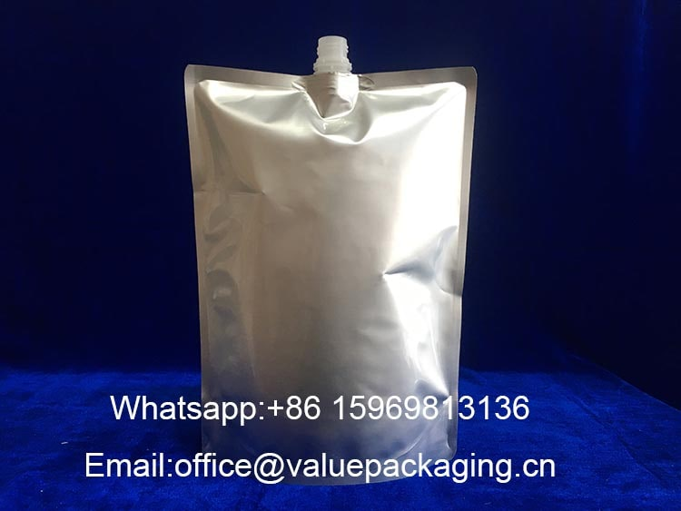 large-volume-standing-aluminum-foil-pouch-with-top-centered-spout