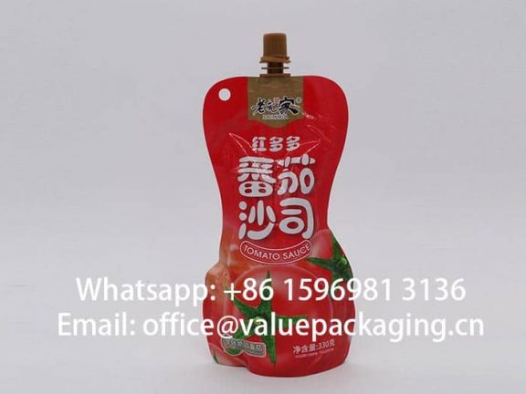 retortable-hourglass-shape -spout-doypack-for-330g-tomato -ketchup-min