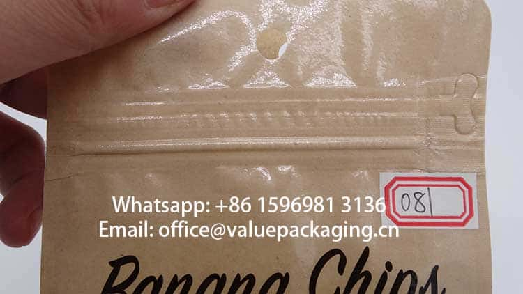 glossy-surface-on-kraft-paper-pouch